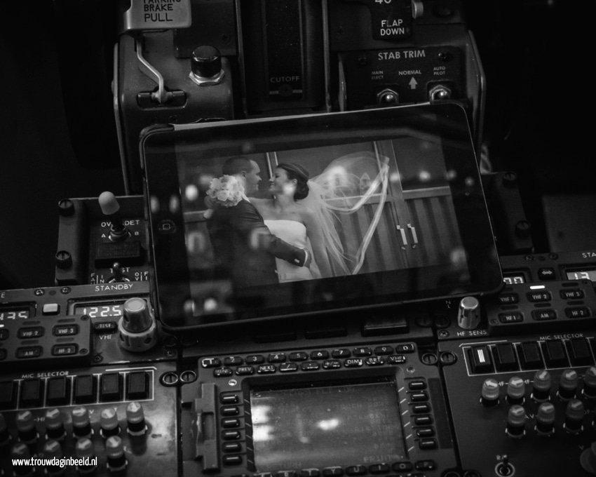 Meevliegen in een cockpit