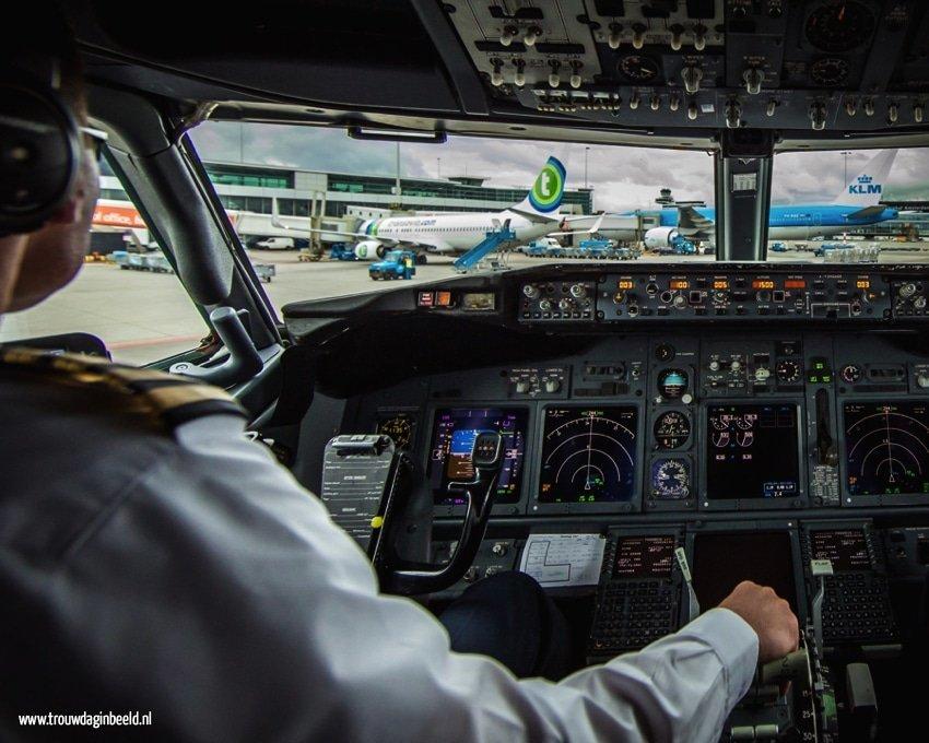 Boeing 737-800 Amsterdam International Airport