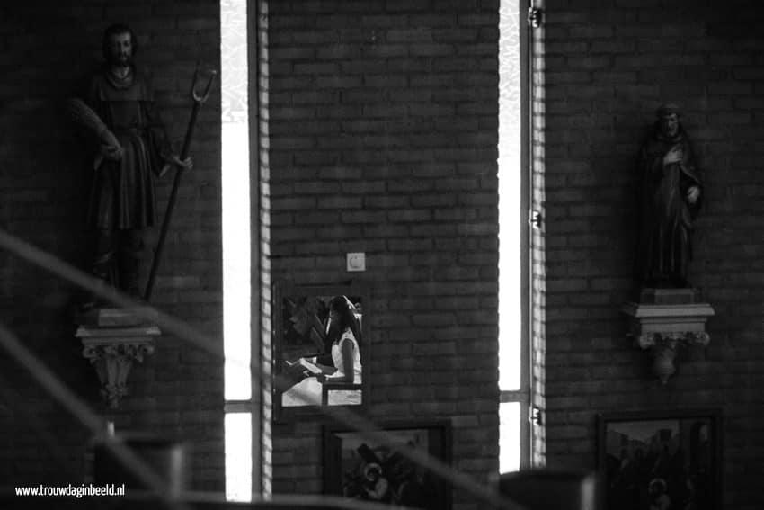 Bruidsfotografie kerk Ommel