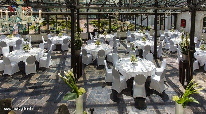 Bloemen en styling op een bruiloft
