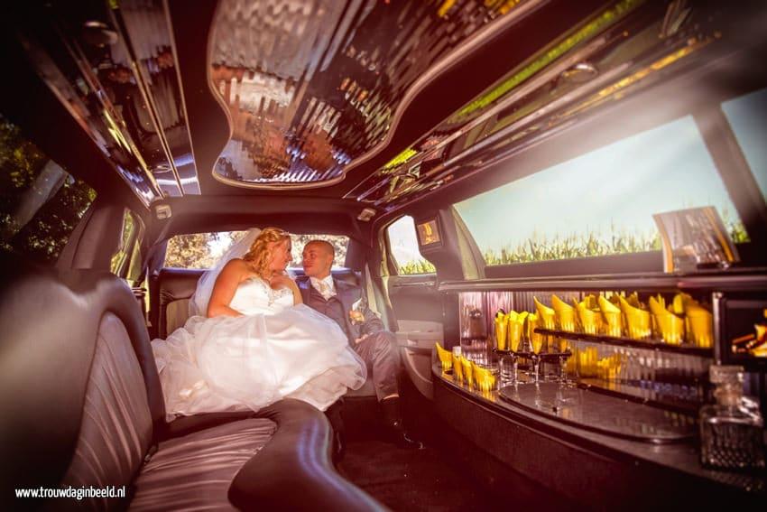 Trouwreportage met limo in de Efteling