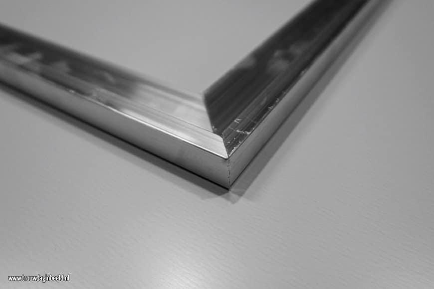 Review HD Steelprint