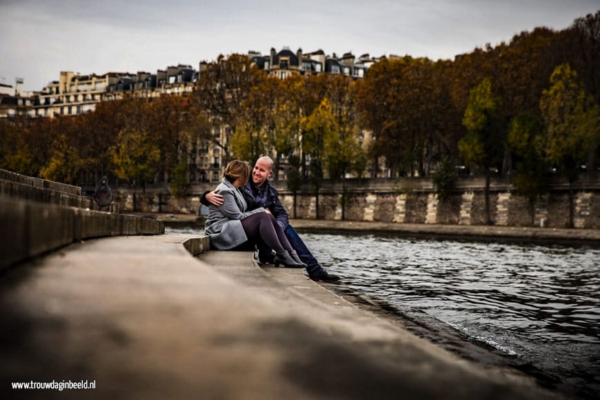 Loveshoot aan de Seine in Parijs