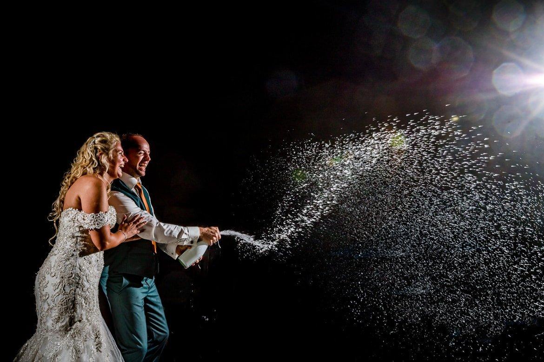 Ongedwongen bruidsfotografie en scherp op de mooiste momenten!