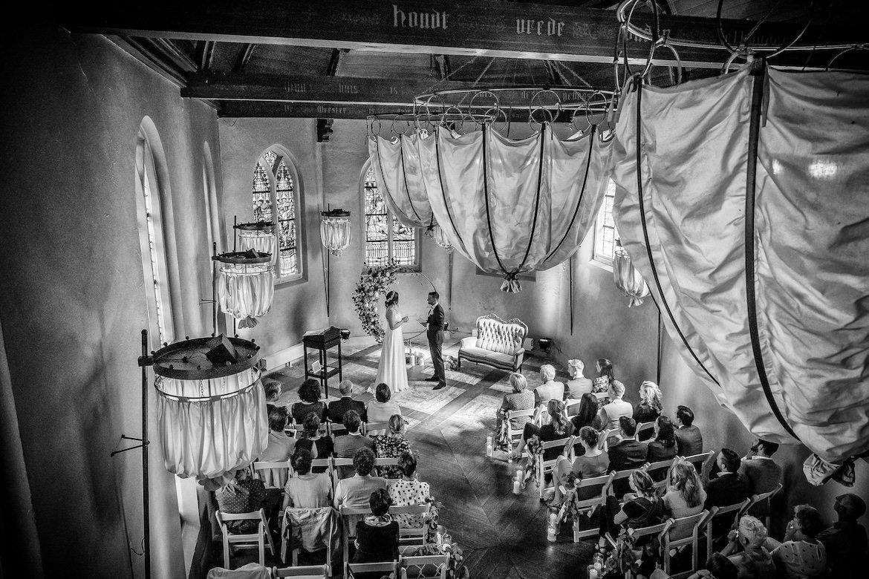 Ceremonie trouwen met echte momenten fotograaf bruiloft