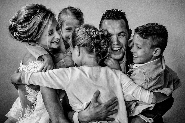 Bruidsfotografie met echte momenten met de kinderen
