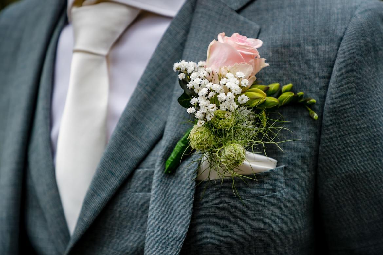 Details en voorbereidingen Bruidsfotograaf Trouwdag in Beeld trouwfotografie fotograaf bruiloft