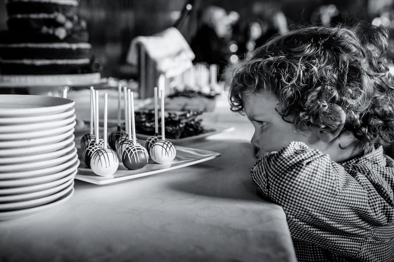 Mooie, romantische, emotionele momenten trouwen Portfolio Bruidsfotograaf Trouwdag in Beeld Trouwen
