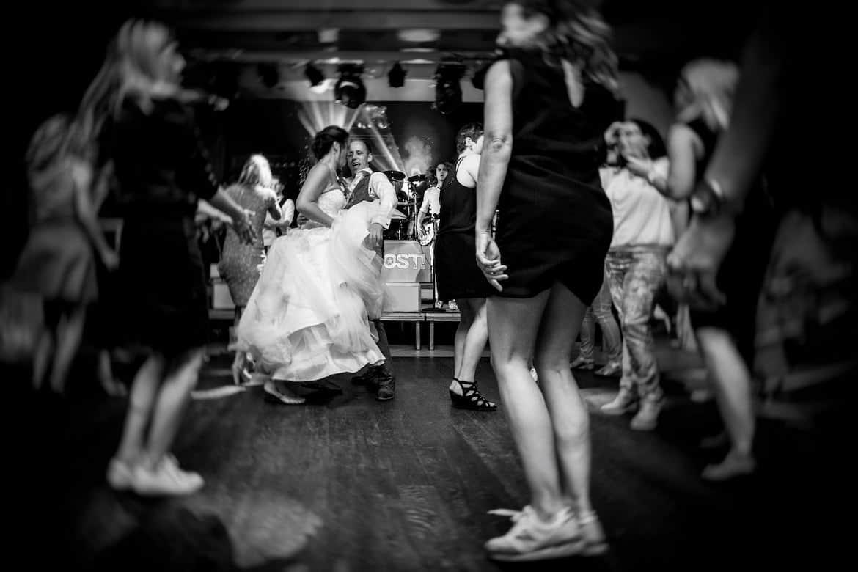 Feestfotografie trouwen Portfolio Bruidsfotograaf Trouwdag in Beeld Trouwen